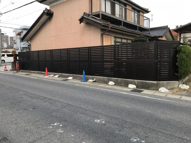 瀬戸市 O様 目隠しフェンス 三協アルミ シャトレナ1型T-10 2段張り