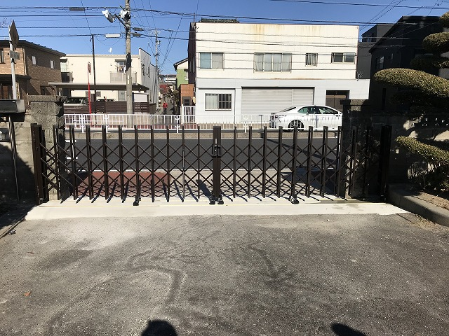 守山区 K様 車庫入口拡張 三協アルミ エクモアL54W(レール式)