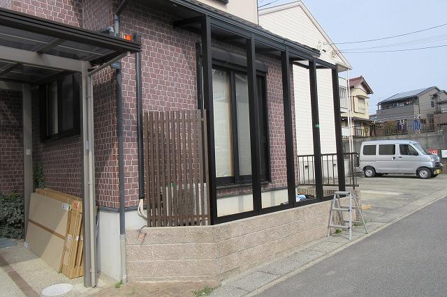 長久手市 Y様 テラス YKKAP アウタールーフ1.5K×4尺 三協アルミ エルファードH1.6m木彫