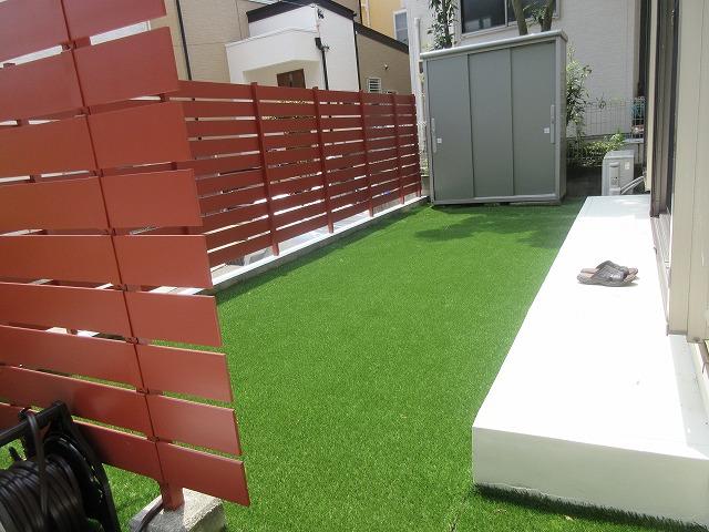 守山区 M様 庭の防草対策 人工芝張り