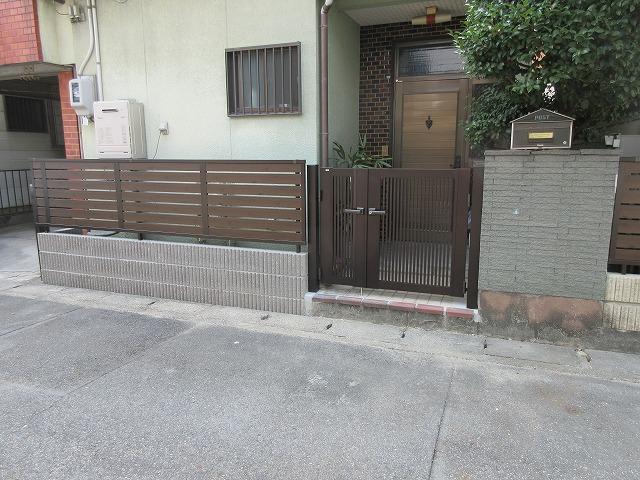 守山区 H様 地震対策 ブロックをフェンスに取り換え 三協アルミ シャトレナM1型 H800、ニューカムフィ04・08-12親子門扉