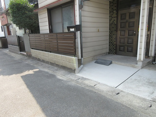 守山区 N様 地震対策 ブロックからフェンスに取り換え 三協アルミ シャトレナM1型(トラッドパイン)H800