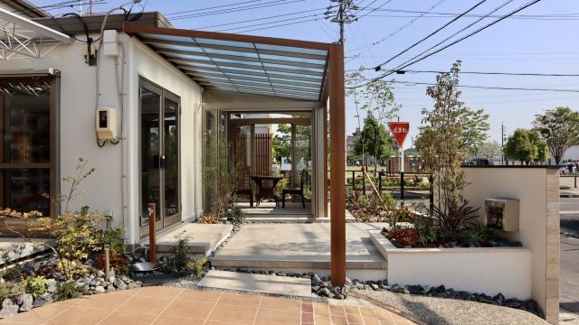 夢工房展示場 三協アルミ ハピーナリラ土間仕様 2間×8尺+テラス連結