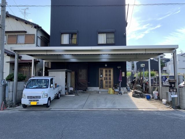 尾張旭市 K様邸 折板カーポート ゆき盛りくん 間口9.7m×奥行5.4m H3.0m 明り取り2ヶ所