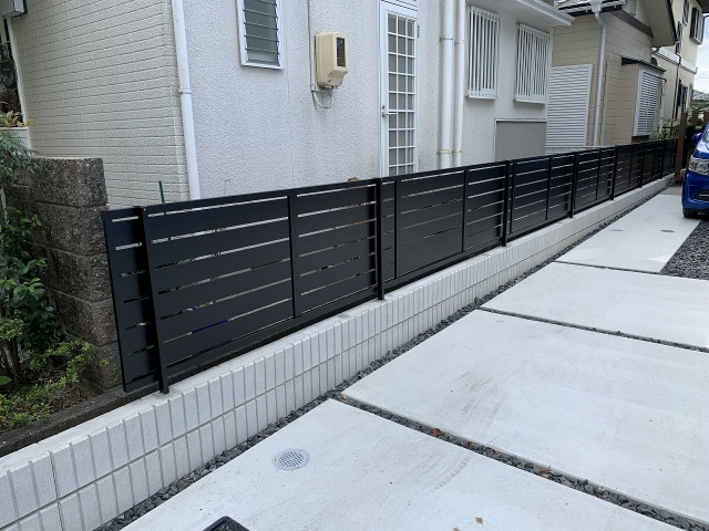 守山区 フェンス取り換え リクシル  フェンスAB YS3型(ブラック)H800 16m