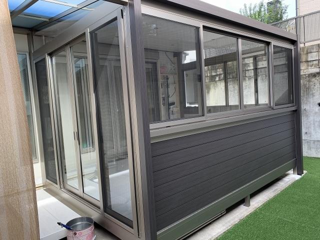 名東区 ガーデンルーム 三協アルミ ハピーナリラ2.0K×9尺+テラス 人工芝